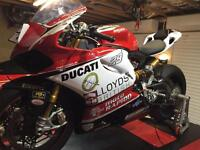 DUCATI PANIGALE R 2015 SUPERSTOCK RACE TRACK BIKE. HUGE SPEC