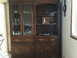 PRICED TO SELL...DISPLAY UNITS/CHINA CABINET
