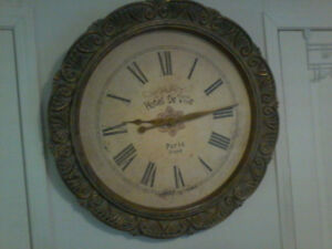 30'' DIAMETER WALL CLOCK BATTERY OPERATED  FROM WINNERS