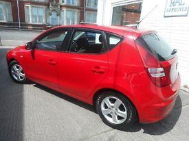 Hyundai i30 COMFORT (red) 2009