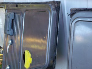 1971-95 GMC or Chevy Doors Front, left and right London Ontario image 7