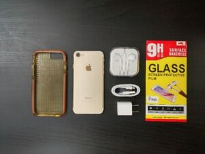 iPhone 7 Unlocked (128gb) mint condition + Case + Accessories