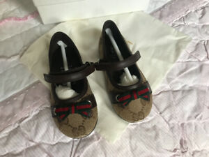 f2ae9a075e1 Beautiful brand new Gucci ballet flats size 21