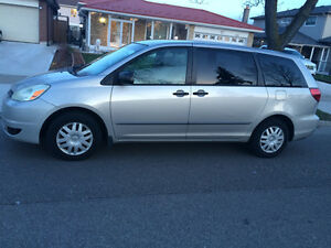 2004 Toyota Sienna Good only for Shipping