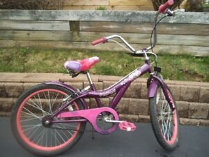 GIRLS HANNA MONTANA BIKE
