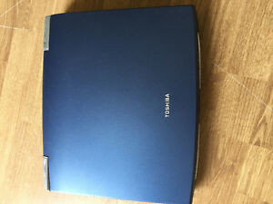 Toshiba laptop a vendre / for sale