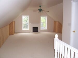 3 bedroom, 2 level apartment for rent in Almonte