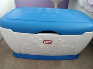 Indoor Bench and Kid's Toy Chest