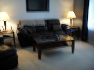 coffee table and end table for sale