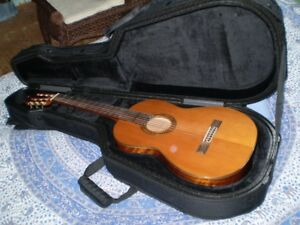 8c88ab1a90 Classical Cedar | Buy or Sell Used Guitars in Ontario | Kijiji ...