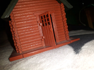 1:32 scale Barn and Cabin