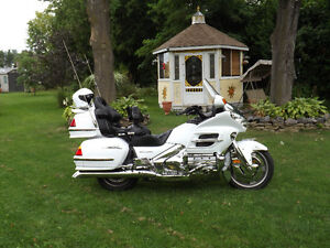 2005 1800 Goldwing Touring Sell Or Trade For Pontiac Solstic ...