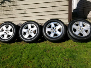 235/60 R17. Tires and rims