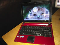 Packard Bell Netbook in red