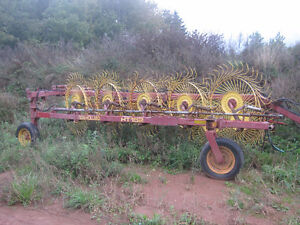 HT152 NEW HOLLAND  wheel rake