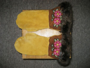 HAND MADE TRADITIONAL LEATHER MITTS