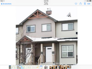 3 bedroom Townhouse Available May 1st in Strathmore