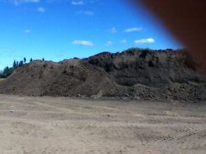 TOPSOIL / COMPOST / LIME ... FOR SALE