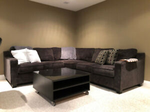 The Brick - Barely used 2-Piece Sectional (A1/Mint Condition)