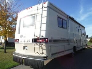 1988 Georgie Boy 34' Class A Motorhome Stratford Kitchener Area image 2