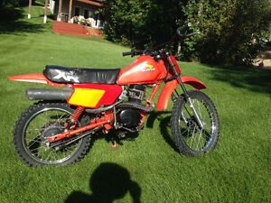 MAKE ME AN OFFER 1984  XR 100 HONDA BIKE IN GOOD CONDITION