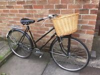 Vintage Dutch style Shanghai ladies classic city bike - beautiful detailing