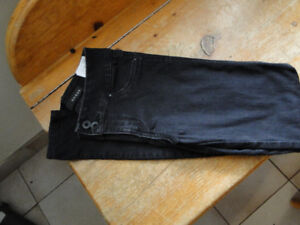 Guess curvy low rise jeggings size 25 in Black