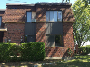 3 bedroom townhouse with basement located in lovely Beaconsfield