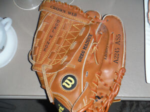 Quality Child's baseball glove $10.00