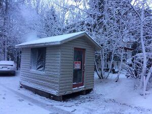 Cabanon cabane à pêche  West Island Greater Montréal image 1