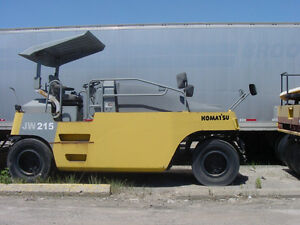 Komatsu JW215 pneumatic 7 wheel compaction roller 10/14 tons, Downtown-West End Greater Vancouver Area image 2