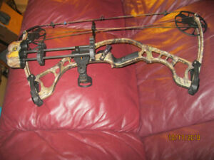 LEFT HAND HOYT IGNITE COMPOUND BOW (***See component options)