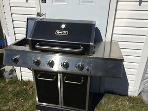 """BBQ STAINLESS """"DYNAGLO""""  52,000BTU - PERFECT!! USED 4 MONTHS!!"""