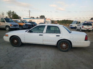 2010 Ford Crown Victoria Sedan For Sale !! $1950