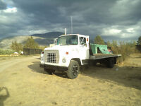 1977 Ford 7000 caterpillar
