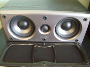 Mission M2S Center Speaker EXCELLENT Gatineau Ottawa / Gatineau Area image 2