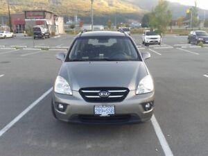 2009 Kia Rondo ex v6 Hatchback