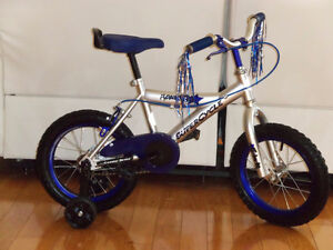 (9) Vélos 14 pouces Bicyclettes TRÈS PROPRE, sans rouilles