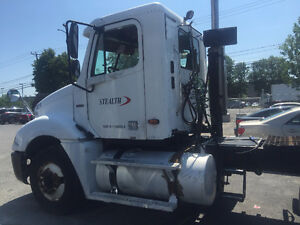 FREIGHTLINER COLUMBIA TRUCK FOR  SALE West Island Greater Montréal image 2