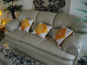Gorgeous all-leather, like-new couch!