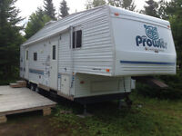 2002 30ft 5th Wheel with 13 ft superslide