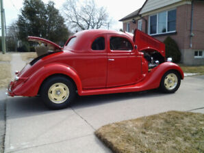1935 Ford Coupe , 5 Window