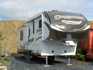 Fifth Wheel Crusader Deluxe Modèle 290RL - 2012 - 32pieds