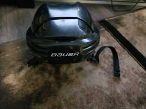 Senior Large bauer hockey helmet