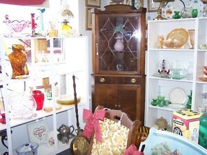 GREG'S ANTIQUES and COLLECTABLES - CHINA CABINET