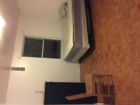 4 1/2 TO RENT METRO PAPINEAU AVAILABLE NOW