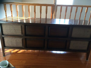 VINTAGE STEREO UNIT - IN WORKING CONDITION