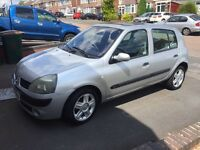 Renault Clio 2005 - MOT April 2017 - Full service history - £700