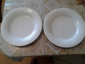 2 Vintage SCALA by-HUTSCHENREUTHER Porcelain Plate Germany