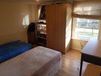 Big Twin/Double Room in Stepney Green E1 4AA